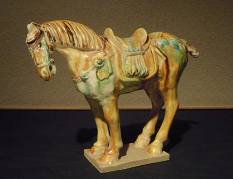 倣唐三彩飾馬