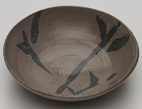 銕絵平茶碗