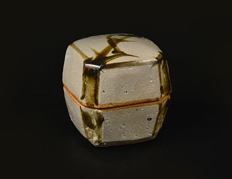 鐵繪角盒子