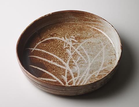 鼡志野菖蒲門銅鑼鉢