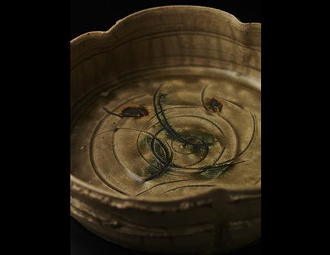 黄瀬戸輪花鉢
