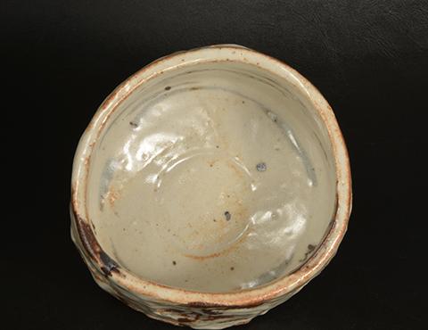 練上志野茶碗