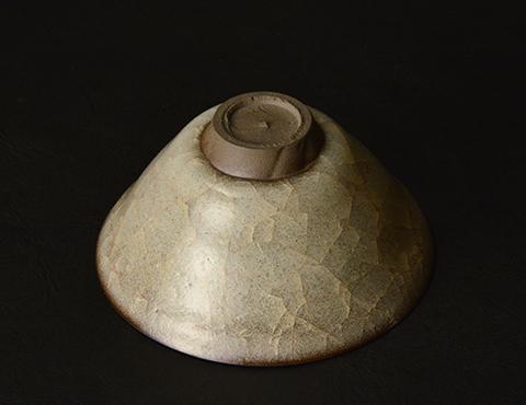 窯変米色瓷盃