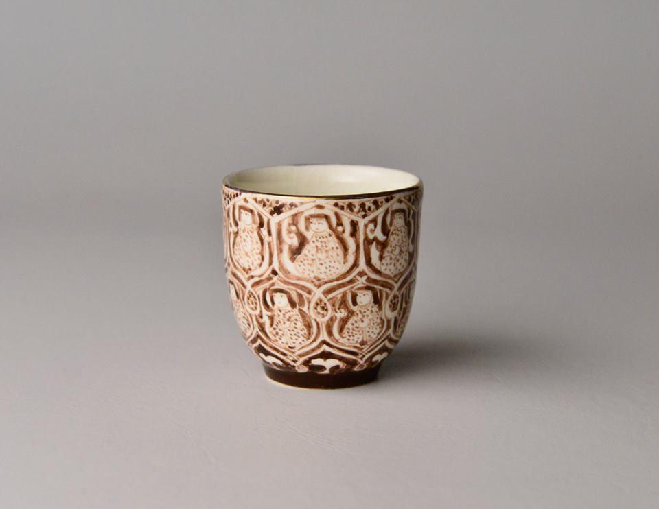 銀彩ペルシャ人物紋杯