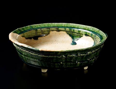 志野織部平鉢