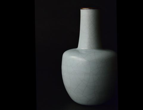 青瓷砧型瓶