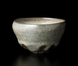 窯変米色瓷碗