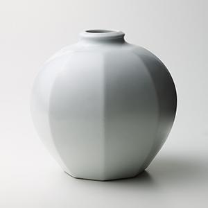 白磁八角壷