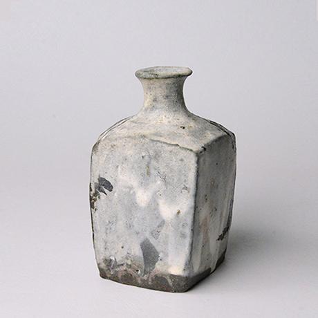 「No.133 粉引唐津角徳利  / Square sake flask, Kohiki-karatsu」の写真 その2