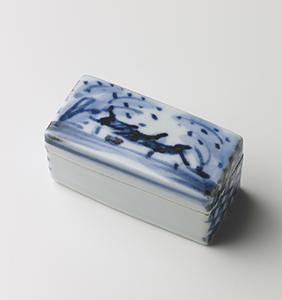 染附飾陶箱