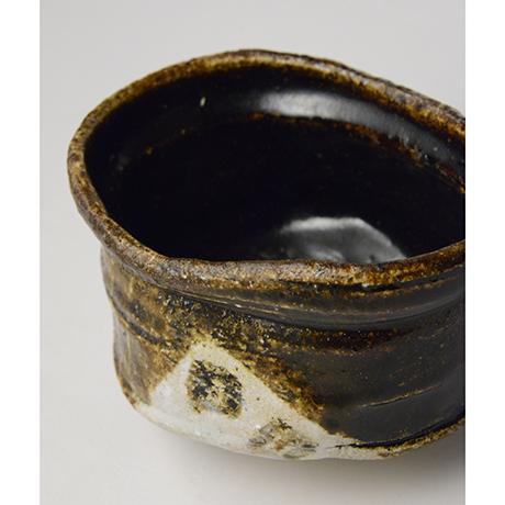 「No.18 黒織部沓茶碗 / Tea bowl, Kuro-oribe, Shoe shaped」の写真 その7
