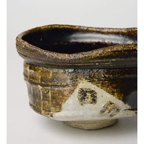 「No.18 黒織部沓茶碗 / Tea bowl, Kuro-oribe, Shoe shaped」の写真 その8