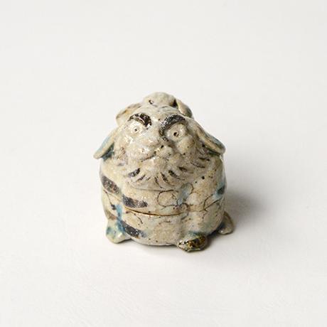 「No.35 弥七田織部獅子香合 / Incense container, Yashichida-oribe, Lion shaped」の写真 その1