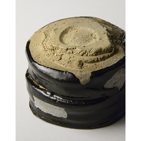 「No.52 黒織部筒茶碗 / Tea bowl, Kuro-oribe, Cylindrical」の写真 その7