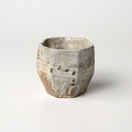 「No.56 赤織部七角さけのみ / Sake cup, Aka-oribe, Heptagonal」の写真 その2