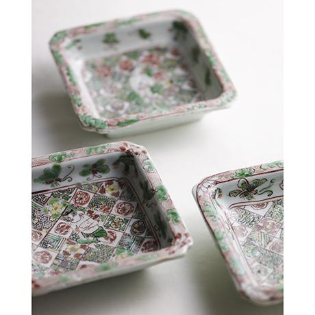 「No.33 南京赤絵唐子文四方向付 五客 / A set of 5 plates, Overglazed enamels」の写真 その1