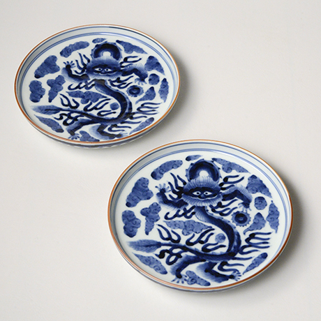 「No.15 雲龍文五寸皿 / Dish with a dragon flying in the clouds, Sometsuke」の写真 その1