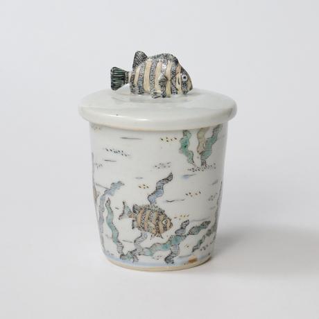 「No.25 色絵ふた付ひれ酒呑  Sake cup with lid, Iro-e」の写真 その3