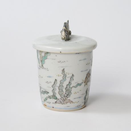 「No.25 色絵ふた付ひれ酒呑  Sake cup with lid, Iro-e」の写真 その4