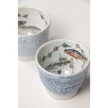 "「No.27 色絵汲出碗 五 「イトヨ泳がす図」 A set of five tea cups. Iro-e, ""Three-spined Sticklebacks Swimming""」の写真 その3"