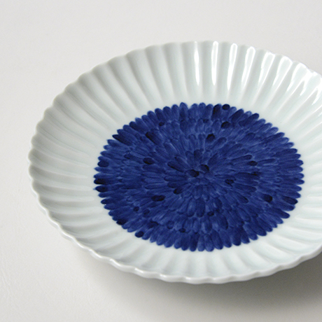 「No.27 菊花文菊割五.五寸皿 /   Dish with flower design, Sometsuke」の写真 その4