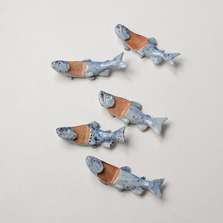 "「No.37 色絵染付箸置 「荒巻じゃけ」 A set of chopstick rests, Iro-e, ""Aramaki Salmon""」の写真 その1"