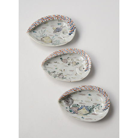 「No.5 色絵あわび小皿 五 A set of five ear shell shaped dishes, Iro-e」の写真 その2