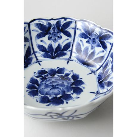 「No.5 芙蓉手草花文輪花八角中鉢 / Octagonal Bowl with flower design, Sometsuke」の写真 その4