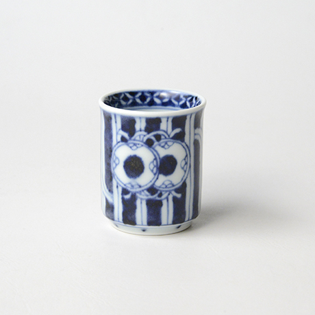 「No.53 鼓文筒ぐい吞 /   Sake cup with drum design, sometsuke」の写真 その1