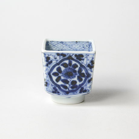 「No.59 草花唐草文四方角ぐい吞 /   Sake cup with floral arabesque design, sometsuke」の写真 その3