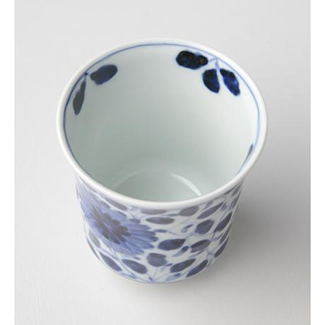 「No.67 菊唐草文湯呑 /   Tea cup with chrysanthemum arabesque design, sometsuke」の写真 その3