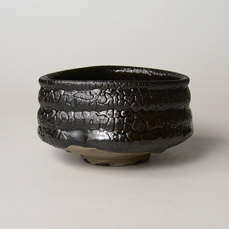 「No.11 織部黒茶盌 / Chawan, Oribe-kuro」の写真 その1
