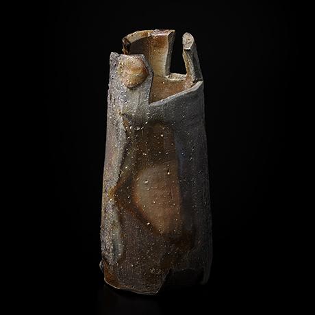 「No.4(図18) 備前三角花入    Flower Vase, Bizen, Triangular shaped」の写真 その1