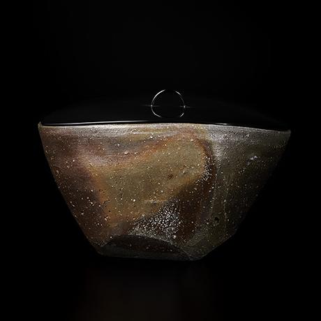 「No.2(図24) 備前三角水指   Water jar, Bizen, Triangular shaped」の写真 その1