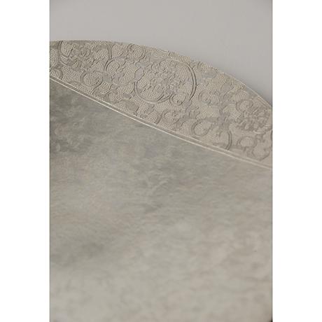 「No. 25 南鐐唐草文菓子器  / Plate, arabesque, silver」の写真 その2