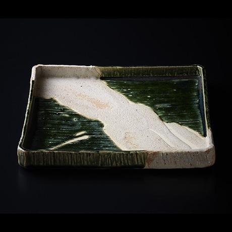 「No.11 岡部嶺男 織部角皿 / OKABE Mineo Square basin, Oribe with Shino glazed」の写真 その1
