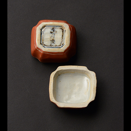 「No.70 赤絵香合 / Insence container, overglaze enamels」の写真 その4