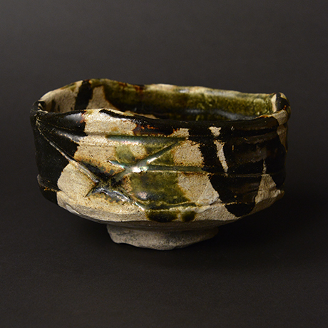 "「No.14 黒織部茶碗 銘「八咫烏」/ Tea bowl, Kuro-Oribe ""YATAGARASU""」の写真 その2"