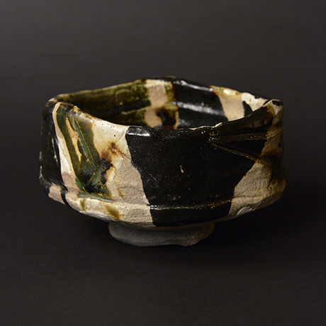 "「No.14 黒織部茶碗 銘「八咫烏」/ Tea bowl, Kuro-Oribe ""YATAGARASU""」の写真 その5"