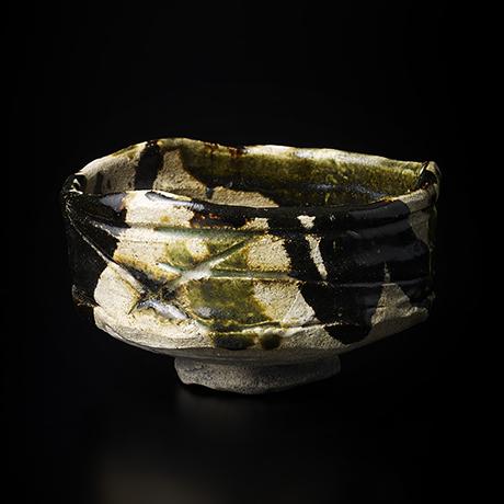 "「No.14 黒織部茶碗 銘「八咫烏」/ Tea bowl, Kuro-Oribe ""YATAGARASU""」の写真 その1"