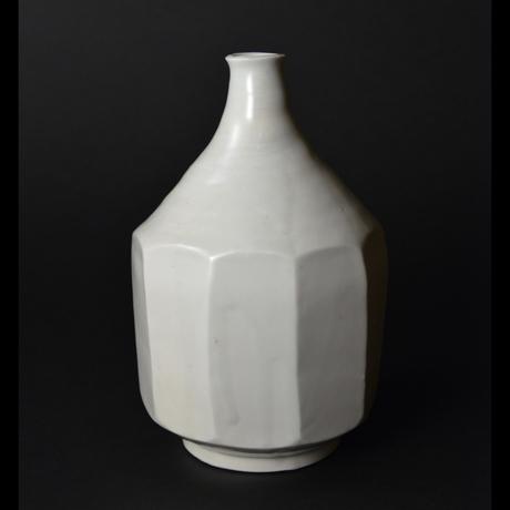 「No.24 白磁面取り壷 / Vase, White porcelain」の写真 その1