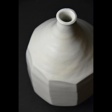 「No.24 白磁面取り壷 / Vase, White porcelain」の写真 その3