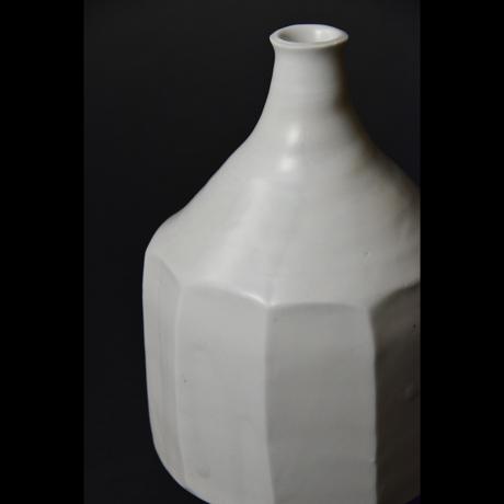 「No.24 白磁面取り壷 / Vase, White porcelain」の写真 その4