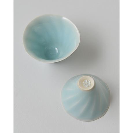 「No.3 鈴木治 入子盃 / SUZUKI Osamu A set of 5 sake cups, Bluish white porcelain」の写真 その3