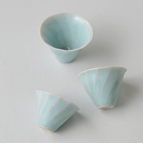 「No.3 鈴木治 入子盃 / SUZUKI Osamu A set of 5 sake cups, Bluish white porcelain」の写真 その5