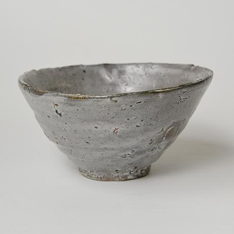 「図17 (No.23) 唐津皮鯨茶碗 / Chawan, Karatsu-kawakujira」の写真 その3