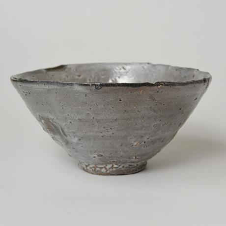 「図17 (No.23) 唐津皮鯨茶碗 / Chawan, Karatsu-kawakujira」の写真 その4