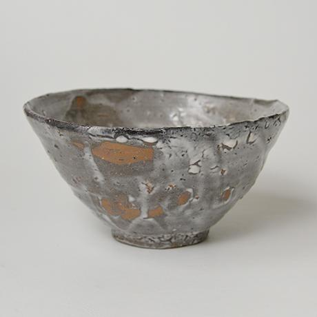 「図17 (No.23) 唐津皮鯨茶碗 / Chawan, Karatsu-kawakujira」の写真 その5