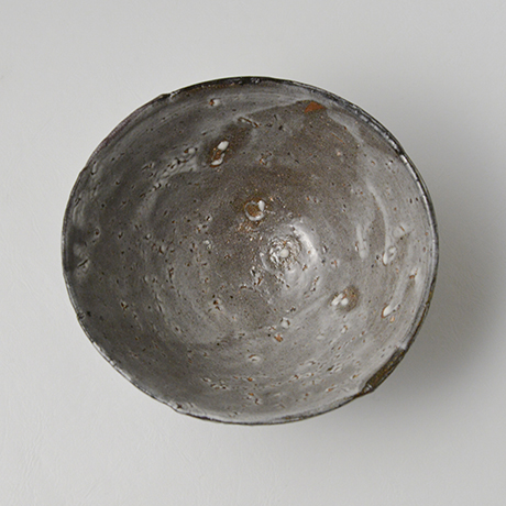 「図17 (No.23) 唐津皮鯨茶碗 / Chawan, Karatsu-kawakujira」の写真 その6