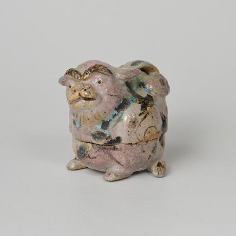 「No.47 弥七田織部獅子香合 / Incense container, Yashichida-oribe, Lion shaped」の写真 その1